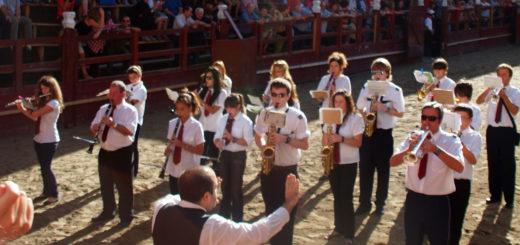 Banda de musica Pasodoble en plaza de toros